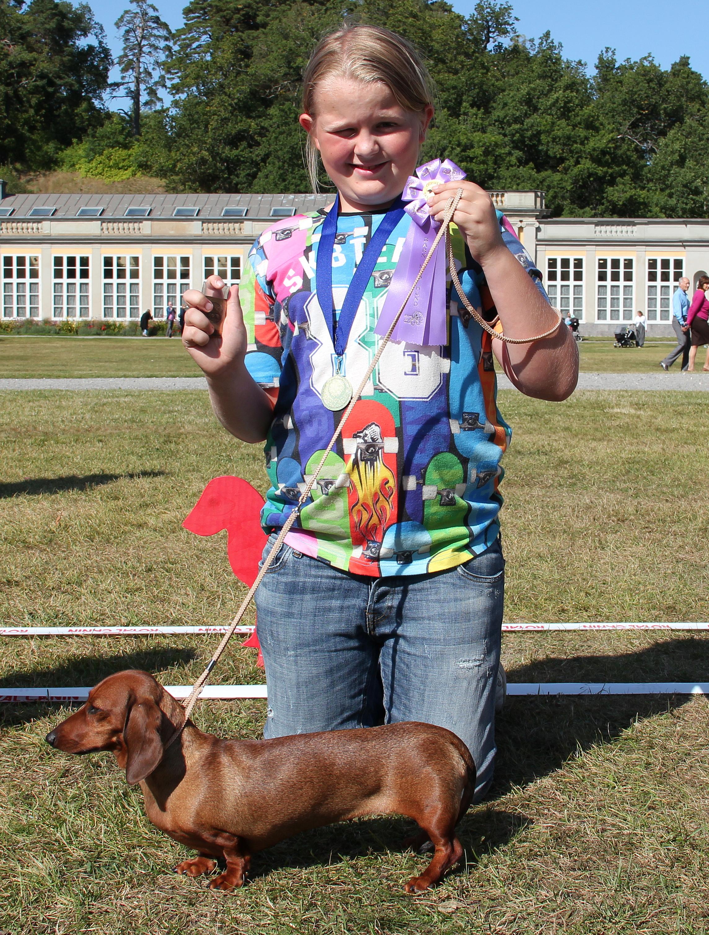 """Vinnare av Barn med hund Mathias Johansson med hunden Oliwhistars Negritas Red Angel (AKA """"Maggie"""")"""